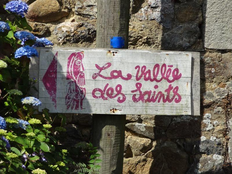 2089-2015-07-05-la-vallee-des-saints-009